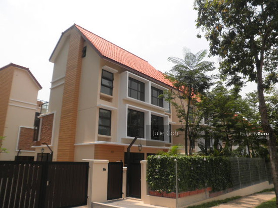 Beautifully furnished master room with attached bathroom available at holland road near bus route and supermarket