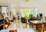 Beautiful with 6 Bedrooms Ensuite, Air-well, Roof Terrace & Garden - Property For Sale in Singapore
