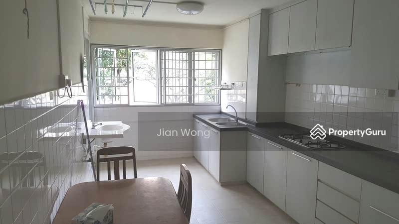 210 Jurong East 3 Rm Hdb Whole Unit 210 Jurong East
