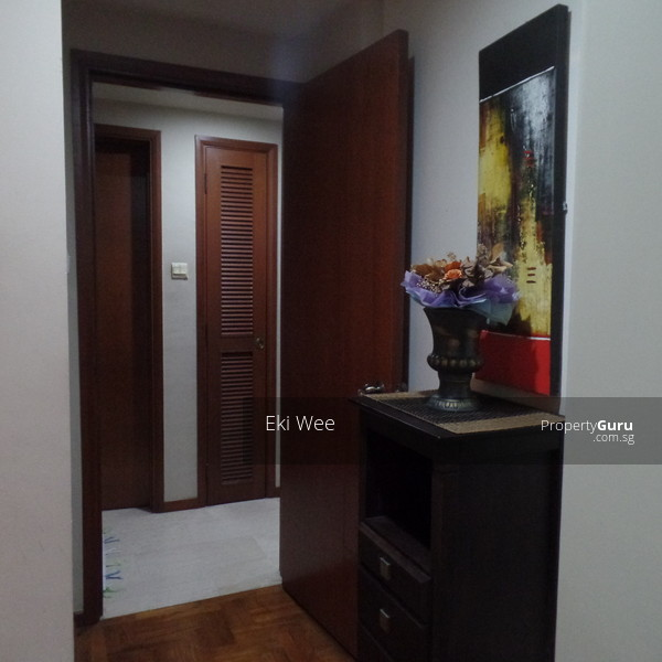 Foresthills Bedroom Large2: Forest Hills Condo, 29 Transit Road, Room Rental, 280 Sqft