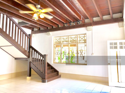 For Rent - BLACK & WHITE COLONIAL HOUSE WITH OUTDOOR PATIO AND BALCONY
