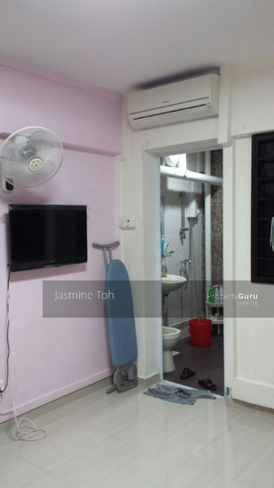 Master bedroom for rent 169 batok west avenue 8 169 bukit batok west avenue 8 room rental 129 Master bedroom for rent in jurong west singapore