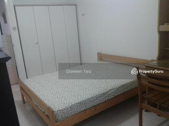 Master Bedroom At Chong Pang Blk 110 Yishun Ring Rd Room Rental 180 Sqft Hdb Flats For Rent