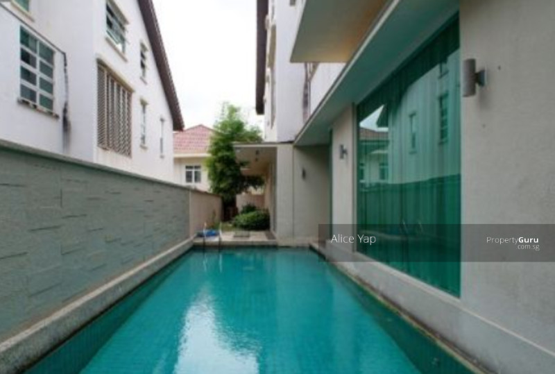 Melrose drive modern bungalow with swimming pool chiltern drive 6 bedrooms 4800 sqft landed for Bungalow on rent in khandala with swimming pool