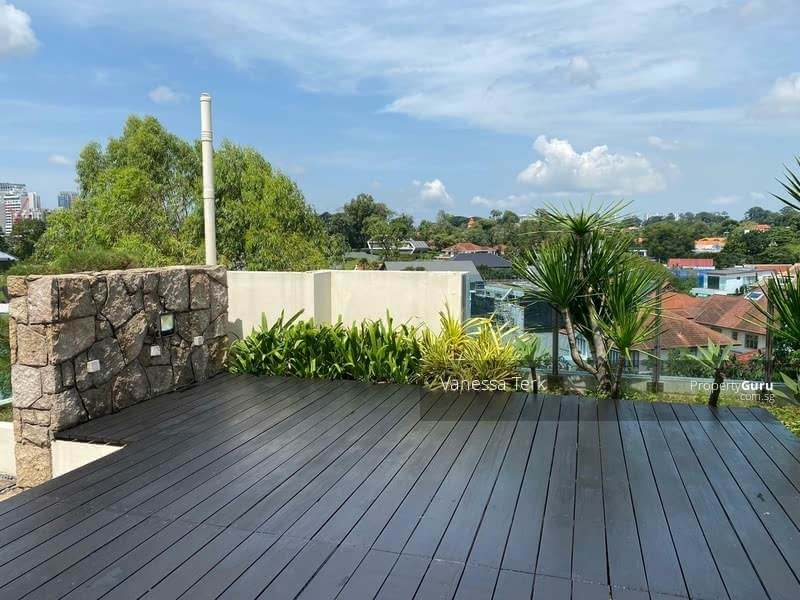 Unblocked beautiful roof garden for dining