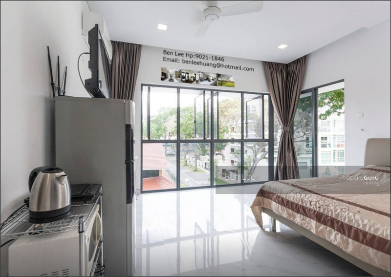 hougang mrt master bedroom rent lease landed 40 jalan naung room rental 400 sqft