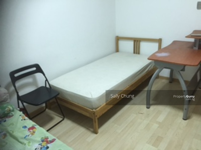 Blk 13 kallang mrt study room for rent 13 upper boon for Small room rental