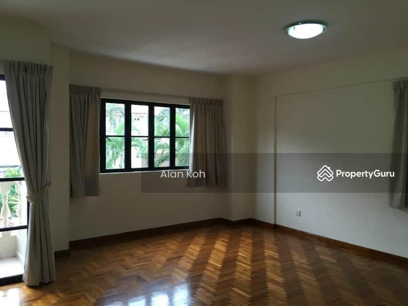 Corner Terrace Near Nex Serangoon Mrt 5 Bedrooms 3600 Sqft Landed Houses Terraced Houses