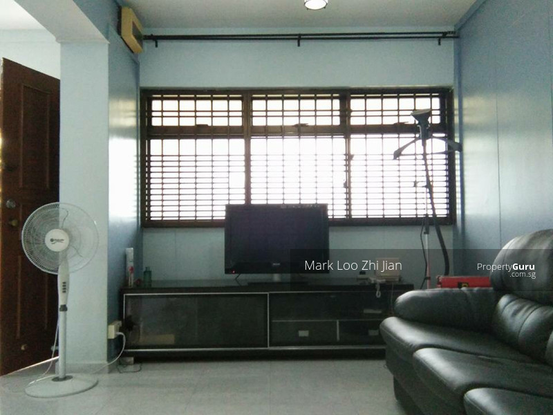near woodlands mrt rare master bedroom for rent 894c