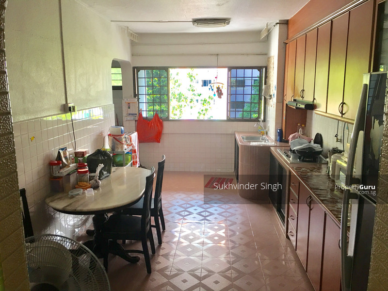 517 jurong west street 52 517 jurong west street 52 2 Master bedroom for rent in jurong west