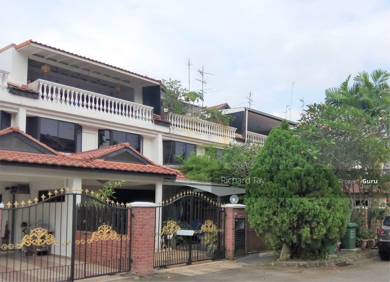 3 storey terrace off yio chu kang road near park and for 3 storey terrace house for sale