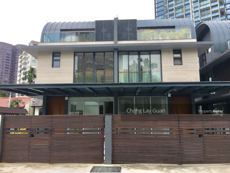 MODERN SEMI-DETACHED HOUSE IN PRIME DISTRICT 10 #86900369