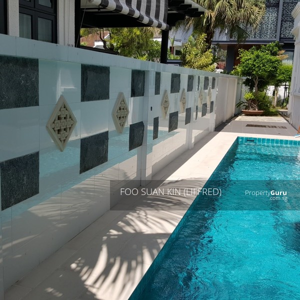 Nice bungalow with swimming pool at serangoon gardens for - Bungalows with swimming pool in sri lanka ...