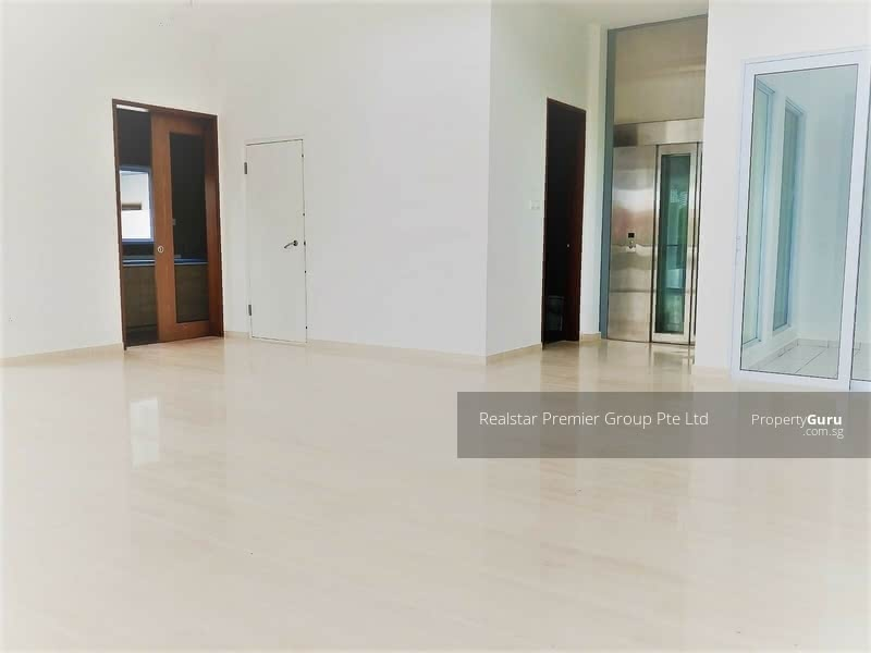 Like Bungalow! Greenery View Well Maintained House in Siglap vicinity! #106699927