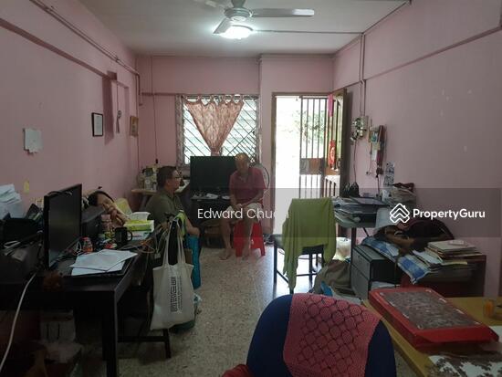 235 Ang Mo Kio Avenue 3 235 Ang Mo Kio Avenue 3 2 Bedrooms 721 Sqft Hdb Flats For Rent By