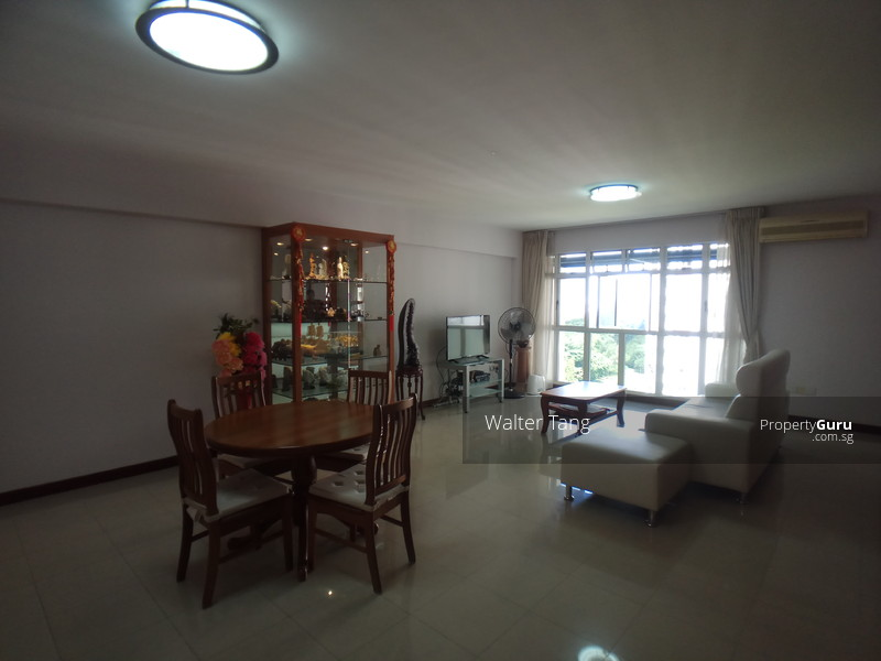 Spacious and super well kept dining room