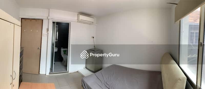 Lorong 42 Walk Up apartment Master room #127746617