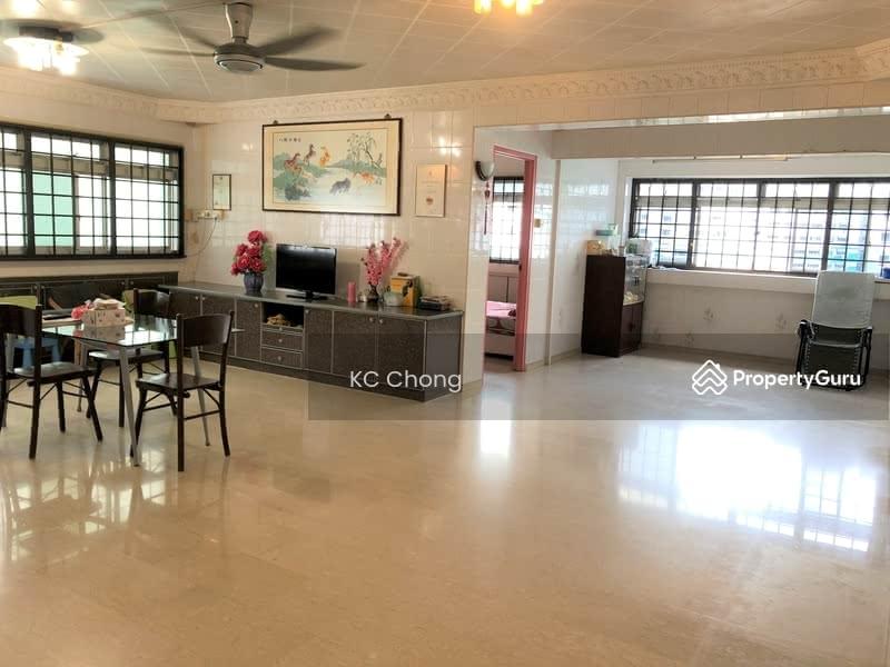 710 Jurong West Street 71 #100046825