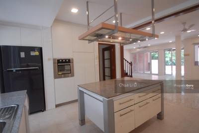 For Rent - Terraced House on Hillcrest Road