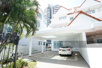 For Sale - **Renovated Spacious 3-Sty Semi-D near Mount Faber! **
