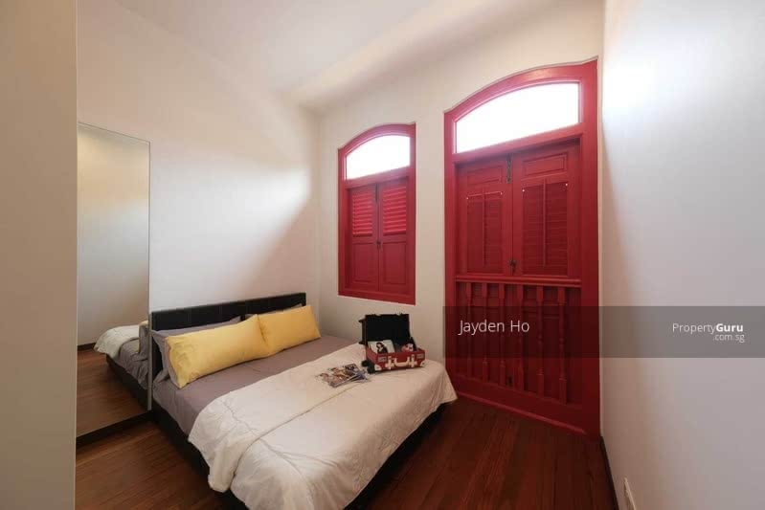 Sims Avenue Shophouse For Rent! Renovated Designer Deco #107587345