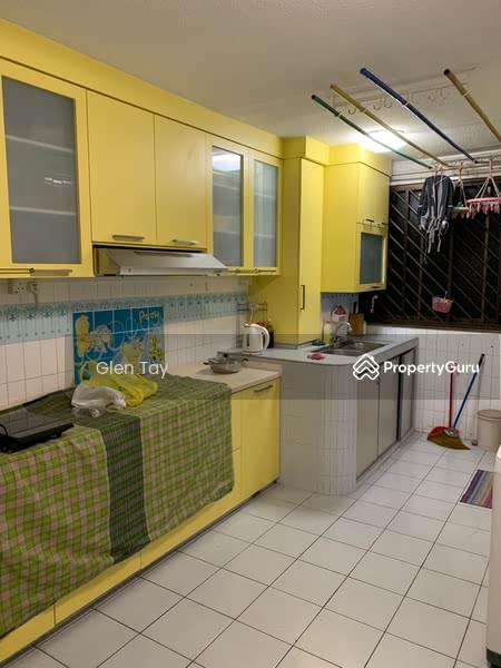 812 Jurong West Street 81 #107949039