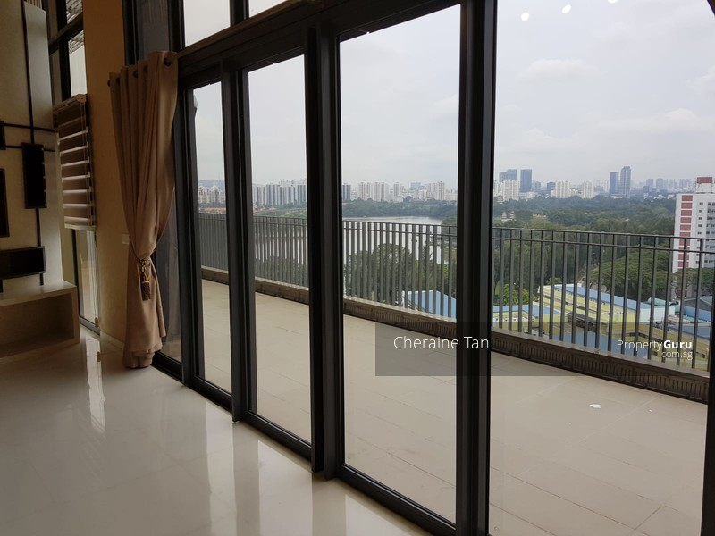 The Lakefront Residences #108913669