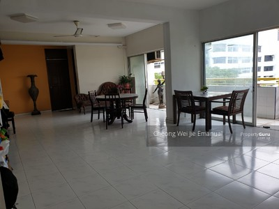 Apartment For Rent, in East Coast / Marine Parade