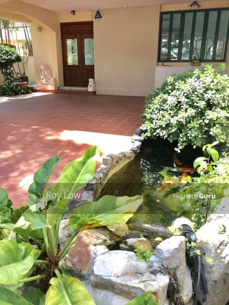 Two Storey Semi-D With Water Feature Pond & Beautiful Pool For Lease #112224295