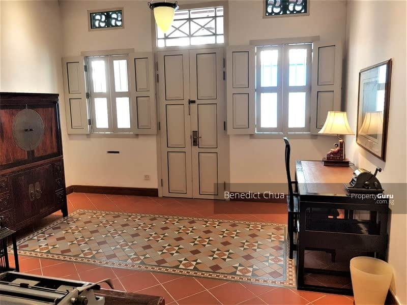 Heritage house; intricate architecture designs for the living room
