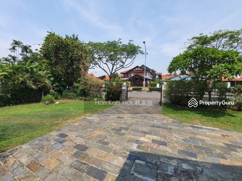 Classic Bungalow @ D15 Franke Estate For Sale #111956655
