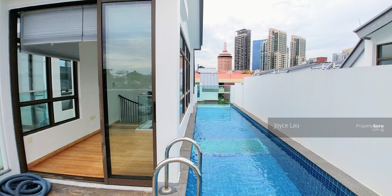 Sky Lap pool within house