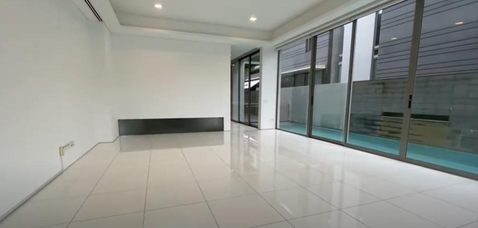 Modern 6 bedroom Bungalow at Botanic Garden MRT #119656737