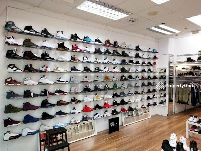 peninsula shopping centre shoes