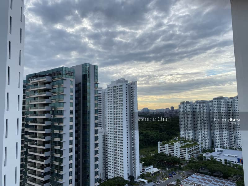 Nice Studio at Harbour View Towers #123935129