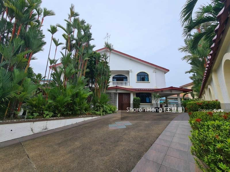Bungalow on Elevated Land at Prime D10 at Only $16xxpsf! (Call Sharon Heng now 81883233) #126888921