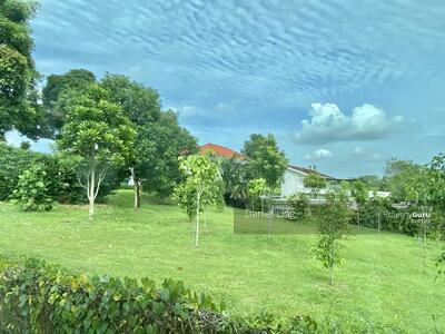 For Sale - Within 1km To MGPS, around 850m walk to KAP MRT station and Link@896 mall. Short walk to Park
