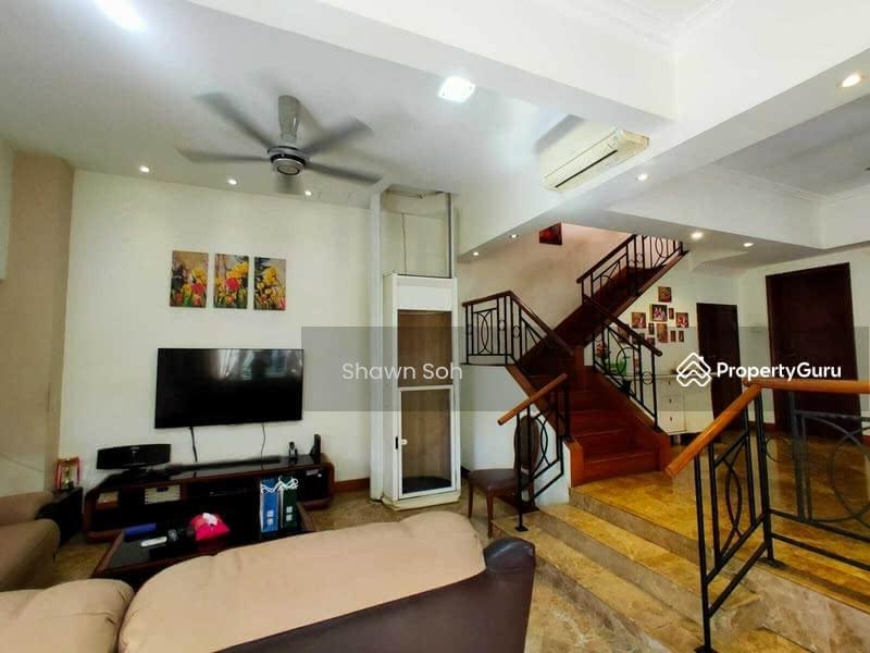 3 Storey Corner Terrace/Park villas rise #127182103