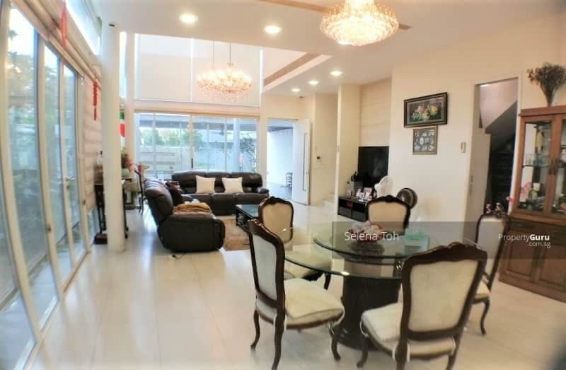 Semi Detached in Duku Area within 1km to Good Schools #127776259