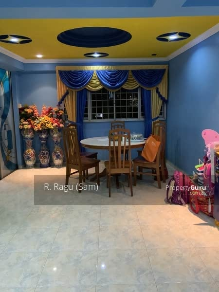 204 Jurong East Street 21 #127979077