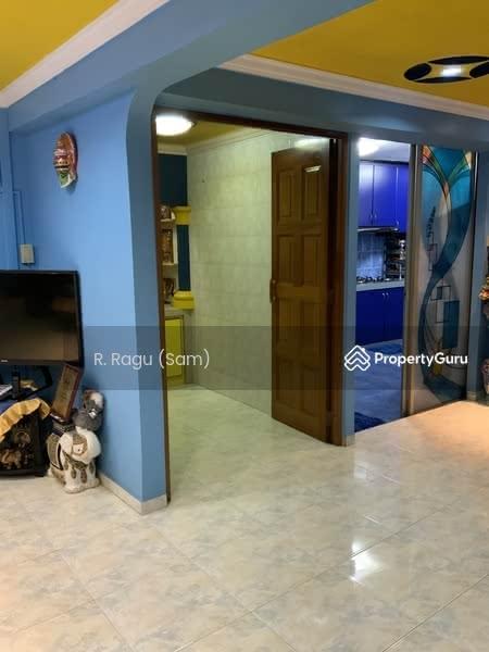 204 Jurong East Street 21 #127979081