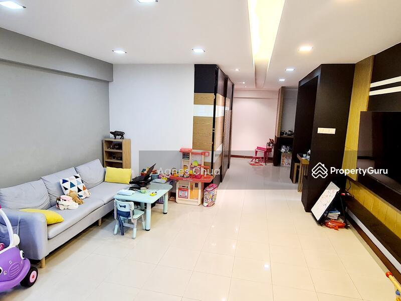 987B Jurong West Street 93 #128154259