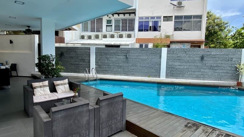Freehold 3.5 Sty Renovated Semi-D w Pool @ Jln Waringin #128356721
