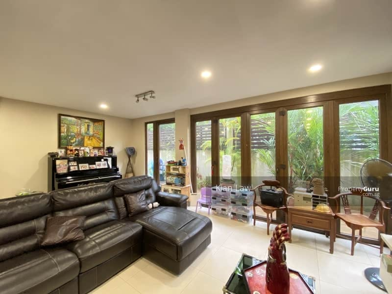 Semi-D with Large Garden, Wide Frontage, Near MRT & AiTong #128305079