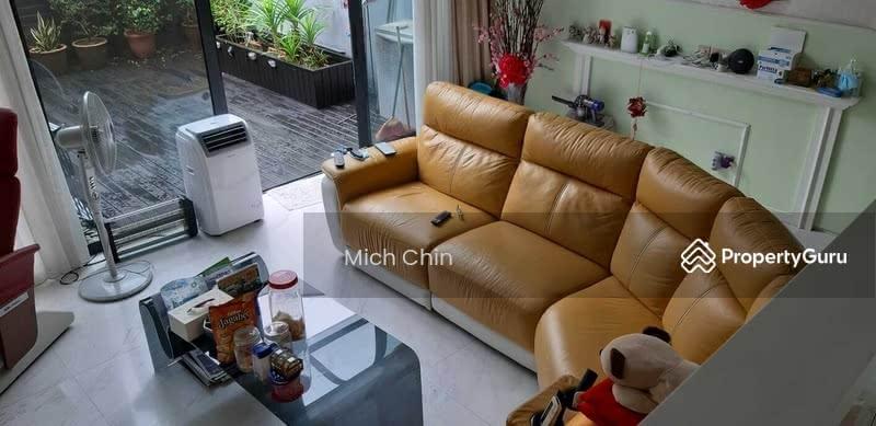 Renovated Terrace Near Watten Estate Near Nanyang Girl School #128562423