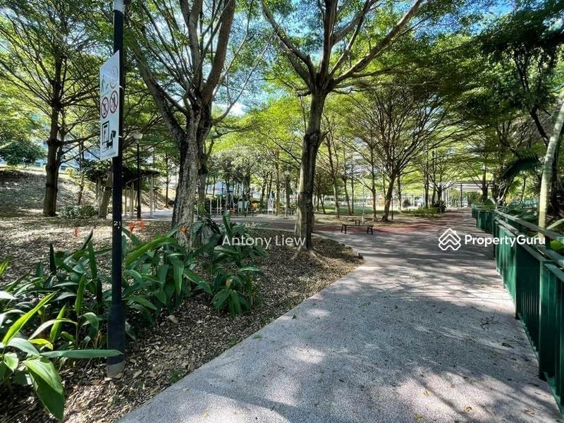 Thomson Plaza landed close to Windsor Park #128517223