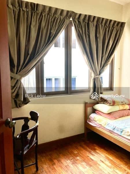 Tanah Merah MRT - 3 Common rooms for rent #128517323