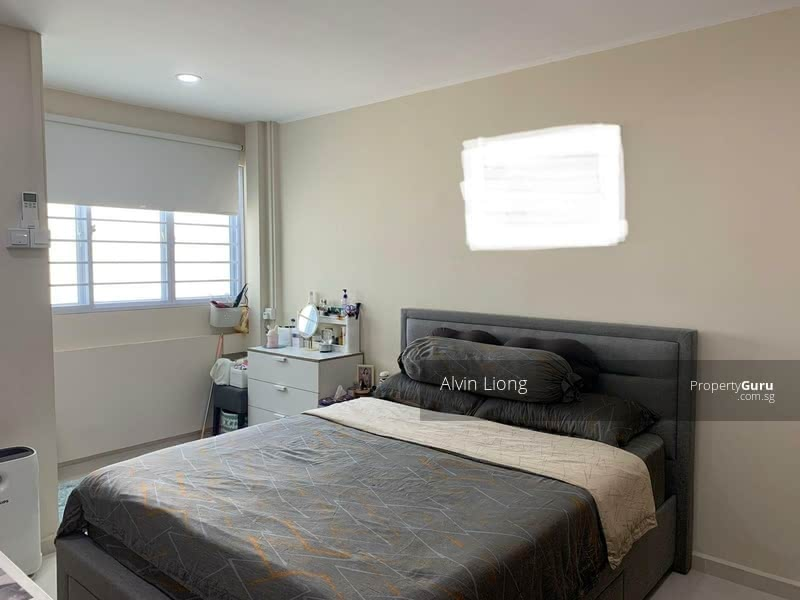 Good Size Master Bedroom with Side Window that maximise room brightness..