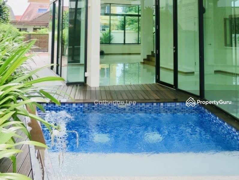 Resort-style Living within 1km to St Nicolas Girls #128534305
