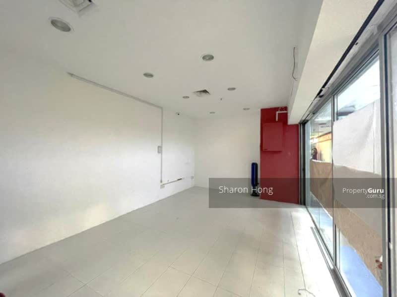 Bukit Timah Shopping Centre #128576809
